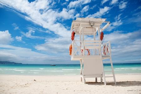 Beach life-saving hillock