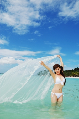 stole: Bride on the beach with white stole