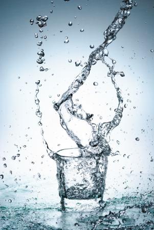 acqua vetro: Spruzzi d'acqua in vetro