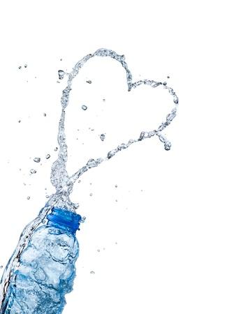 Water splash coeur de pêches forme, le thème de l'amour Banque d'images - 16714140