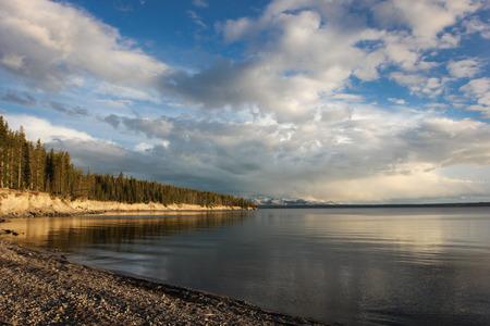 yellowstone: Yellowstone lake