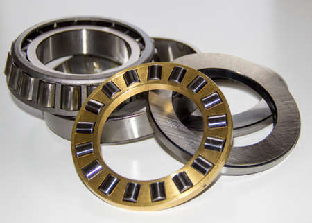 Exploded view of a thrust roller bearing and a tapered roller bearing