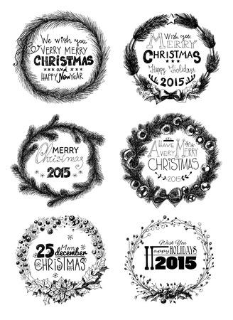 coronas navidenas: Conjunto de 6 guirnaldas de Navidad. Mano -drawn coronas hechas de ramas de abeto, hojas de acebo de bayas y frutas, decoradas con adornos, arcos y estrellas. Vectores