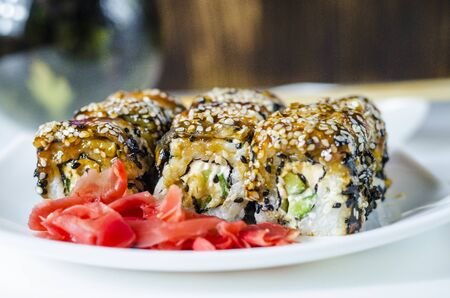 sushi roles japanese delicious food on a plate 版權商用圖片
