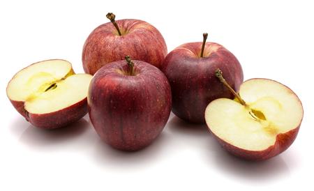 りんごガラ、3 つそして 1 つの半分にカット、白い背景で隔離