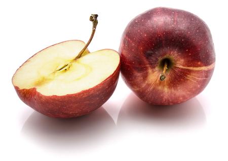 白い背景に分離、半、1 つの全体ガラアップル