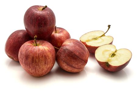 りんごガラ、全体のグループと 1 つの半分にカット、白い背景で隔離