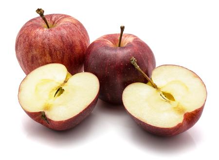 ガラリンゴ、2つの全体と半分に1つのカット、白い背景に隔離