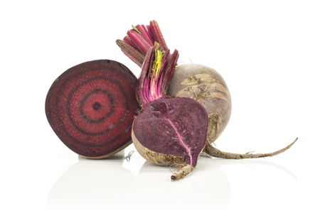 Sliced red beet collection section halves isolated on white background Banque d'images