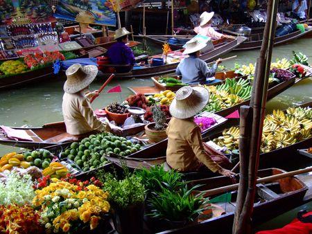 Mercado flotante en Bangkok2
