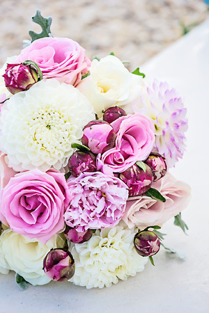 natural arch: Bridal bouquet Stock Photo