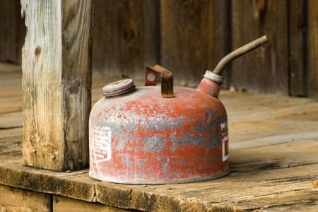 Old Vintage Metall Gas Can Standard-Bild - 23159149