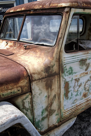 junkyard: Viejo oxidado Junkyard Willys Jeep
