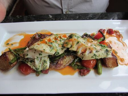 Savory Fish and Vegetable Plate 版權商用圖片