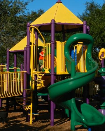 Little Boy op Playground