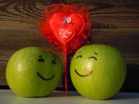 apples in love photo