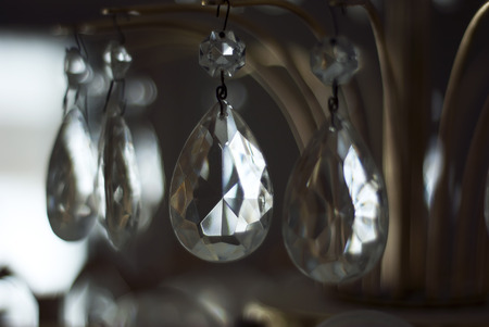 cor: A closeup shot of a chandelier crystal.