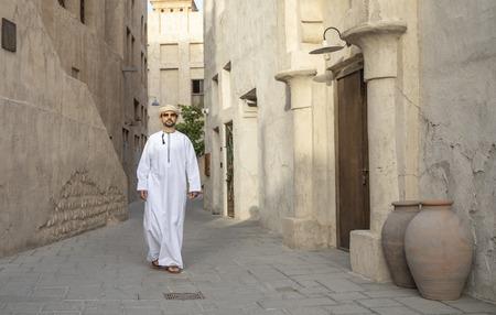 arab man in old Al Seef part of Dubai, United Arab Emirates Imagens