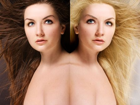 tinte cabello: Iof una mujer muy joven con Morena de pelo por un lado y Rubio por otro de la imagen de espejo.