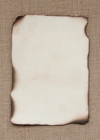 Carta di carta bruciata su tela Archivio Fotografico - 25650405