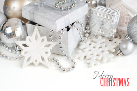 bordes decorativos: Silver Christmas decorations - snowflakes, baubles, garland and gift boxes