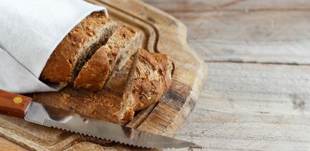Pane integrale su una vista del piano d'appoggio di legno