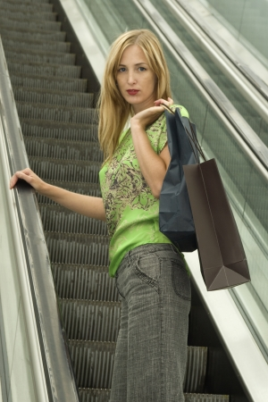consumer rights: woman shopping