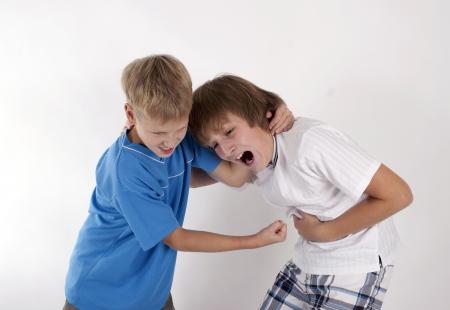 veszekedés: Veszekedés testvérek Stock fotó