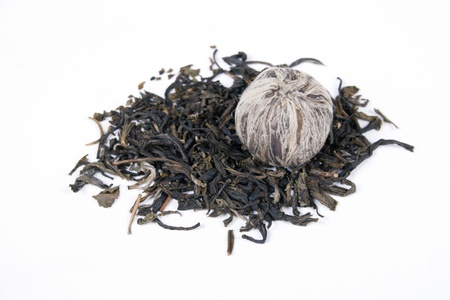 Dried leaves of pu-erh tea isolated on white background Stock Photo - 15847115