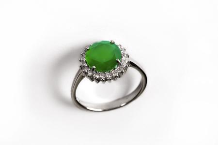 Diamond RingElegance luxury ring with emerald isolated on white background Banco de Imagens