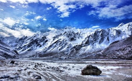 hdr: Mountain range in Langtang region, Nepal