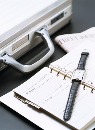 ブリーフケースは、手首の時計