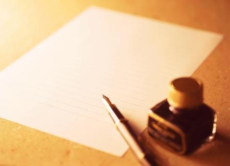 fountain pen and letter Фото со стока - 20446452