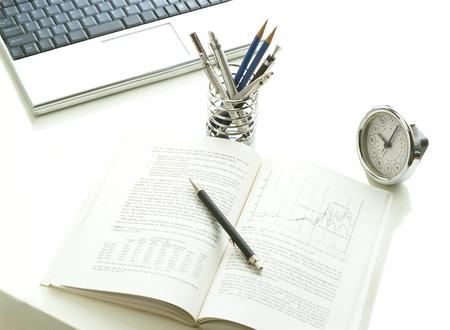 computer and book Фото со стока - 23915096