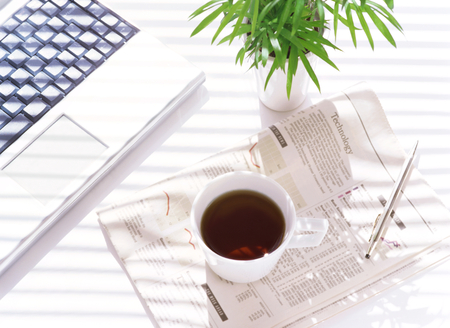 コンピューターや新聞