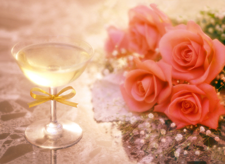 champagne and bouquet photo