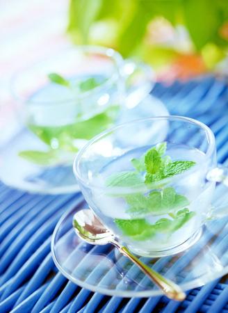 mint tea Фото со стока - 26825529