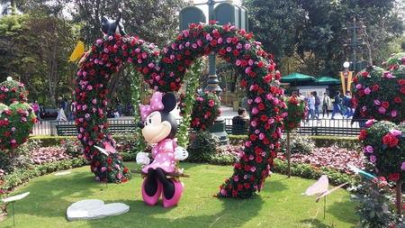 minnie mouse: Hong Kong Disneyland - Easter 2016 - Minnie Mouse in the Garden