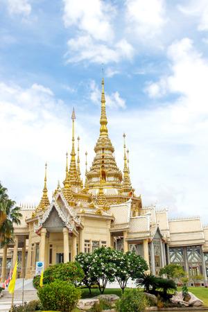 ratchasima: Wat Non Kum, Temple in Nakhon Ratchasima Thailand