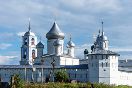 Amazing panoramic view of Nikitsky Monastery, Pereslavl-Zalessky, Russia. Male Orthodox monastery. The Golden Ring of Russia Stockfoto
