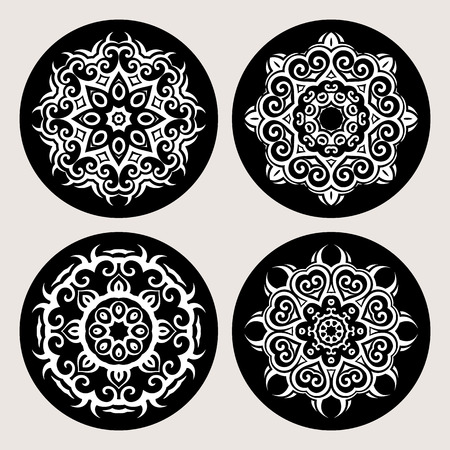 pattern vintage: Mandala set. Circular ornament on black background. Ethnic vintage pattern collection.