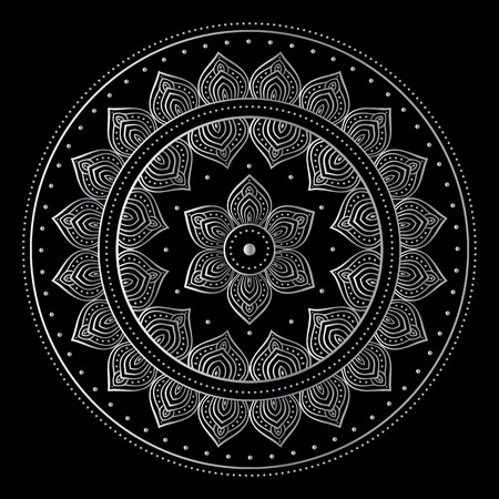 motif indiens: Silver mandala on black background. Indian pattern.