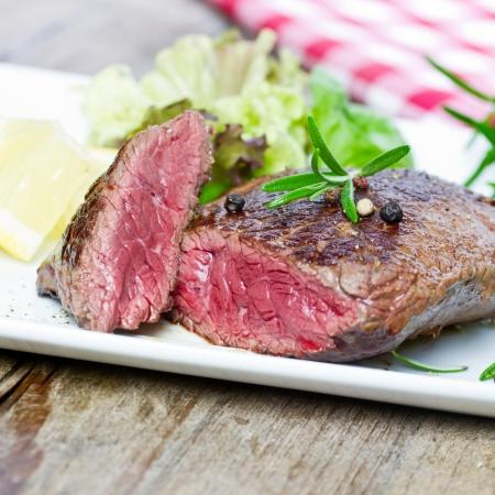 Gegrilltes Steak Standard-Bild - 25240335
