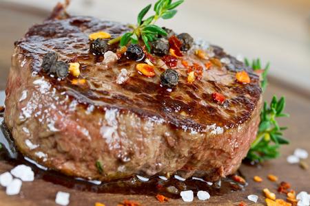 Steak vom Grill Standard-Bild - 36578133