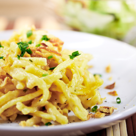 Noodles with cheese 版權商用圖片