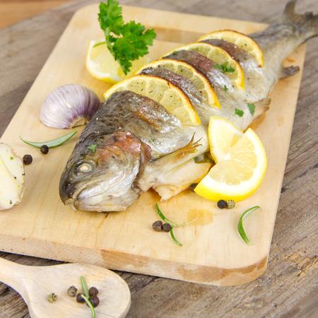 grilled trout 版權商用圖片