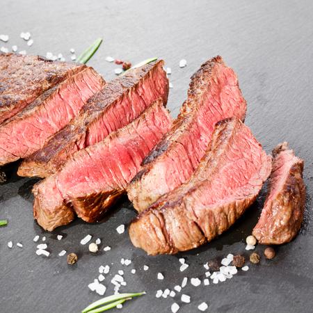 Grilled steak 版權商用圖片