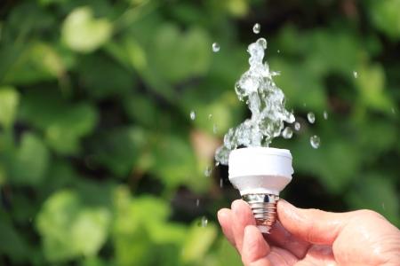ahorrar agua: Energ�a renovable simboliza el concepto ecol�gico, energ�a hidroel�ctrica