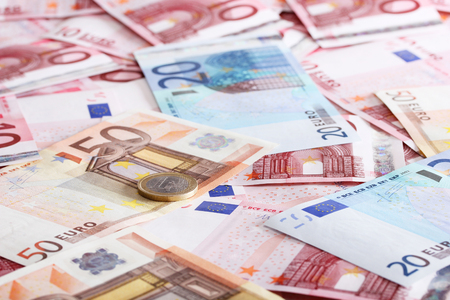rouleau: a lot of euro for background