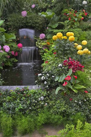 Art of gardeners in the well-known park Butchart Gardens Stock Photo - 2635146
